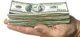 доллары на ладони